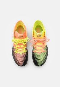 New Balance - BBOMNX - Basketball shoes - pink/black - 3