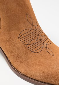 Zadig & Voltaire - TYLER  - Cowboy/biker ankle boot - tan - 2