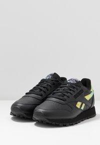 Reebok Classic - CLASSIC  - Sneakers laag - black - 4