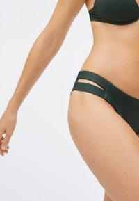 OYSHO - STRAP DETAIL - Bikini bottoms - evergreen - 5