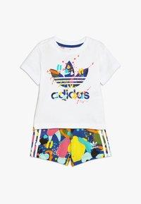 adidas Originals - SHORT SET - Stoffhose - white/multicolor - 0