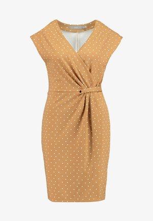 RIZETTA SLEEVELESS DRESS - Shift dress - almond combi