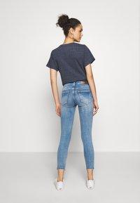 ONLY - ONLBLUSH MID DETROY - Jeans Skinny Fit - light blue denim - 2