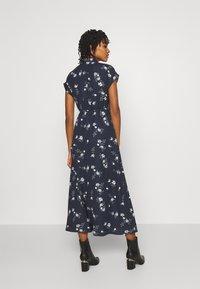 Vero Moda - VMFALLIE LONG TIE DRESS - Blousejurk - navy blazer/newhallie - 2