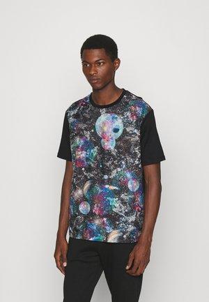 Print T-shirt - fantasia