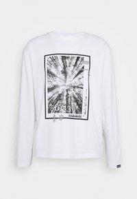 Napapijri The Tribe - PASILAN UNISEX - Långärmad tröja - bright white - 0