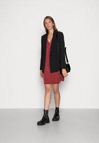 Closet - V NECK DRESS - Jersey dress - burgandy - 1