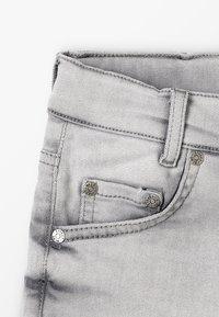 Blue Effect - BOYS BASIC - Denim shorts - grey medium - 2