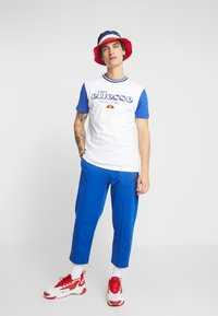 Ellesse - CODY - T-shirt imprimé - white - 1