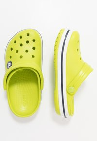 Crocs - CROCBAND CLOG - Sandalias planas - lime punch - 0