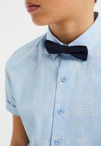 WE Fashion - DESSIN - Shirt - light blue - 2
