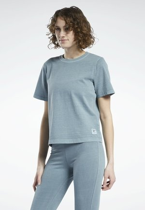 NATURAL DYE - T-shirts - green