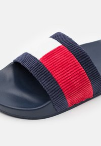Tommy Jeans - CORDUROY FLAG POOL SLIDE - Mules - white - 5