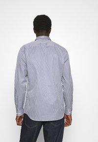 Selected Homme - SLHSLIMPEN - Camicia elegante - dark blue - 2
