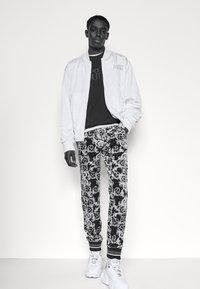 Versace Jeans Couture - FELPA - Sweatshirt - black - 3