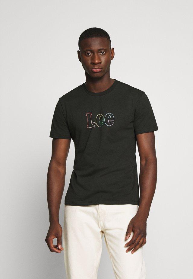 PRIDE TEE - Print T-shirt - washed black