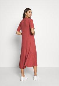 Monki - HALLEY DRESS - Jerseykjole - rust - 2