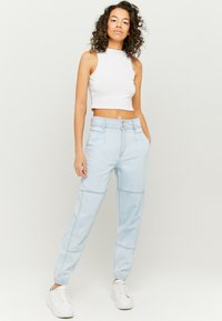 TALLY WEiJL - Jeans Tapered Fit - blu - 1