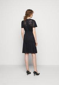Lauren Ralph Lauren - GORDON STRETCH DRESS - Cocktail dress / Party dress - lighthouse navy - 2