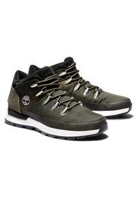 Timberland - SPRINT TREKKER MID FABRIC WP - Sneakersy niskie - dark green mesh - 3