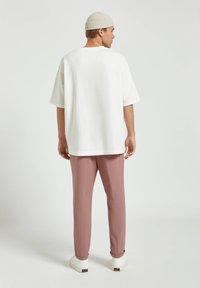 PULL&BEAR - Basic T-shirt - white - 2