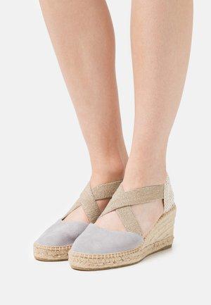 ANIA - Korkeakorkoiset sandaalit - grau