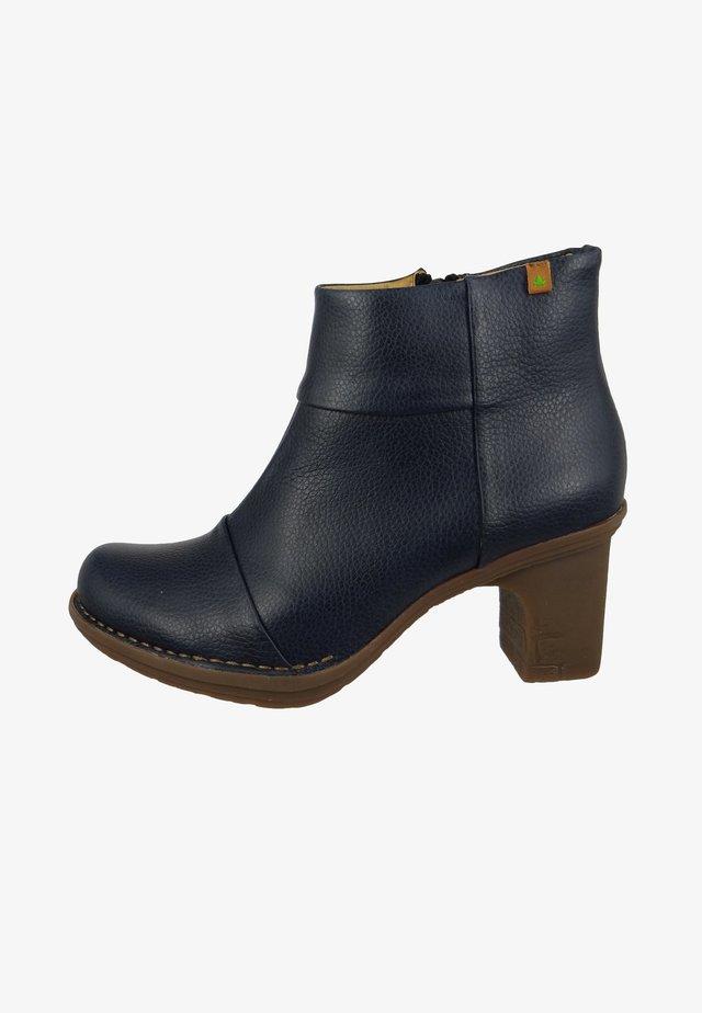 DOVELA - Ankle boots - ocean