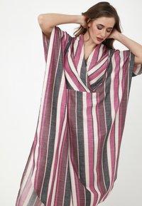 Madam-T - KORNA - Maxi dress - fuchsia/black - 4