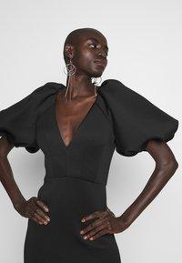 True Violet Tall - TRUE EXTREME PUFF SHOULDER PLUNGE MINI DRESS - Vestido de cóctel - black - 4