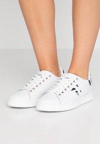 Trussardi Jeans - Baskets basses - white - 0