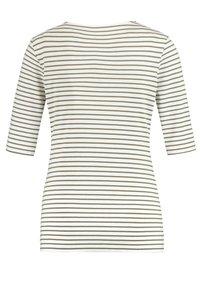 Gerry Weber - 1/2 ARM GERINGELTES - Print T-shirt - grün/ecru/weiss streifen - 4