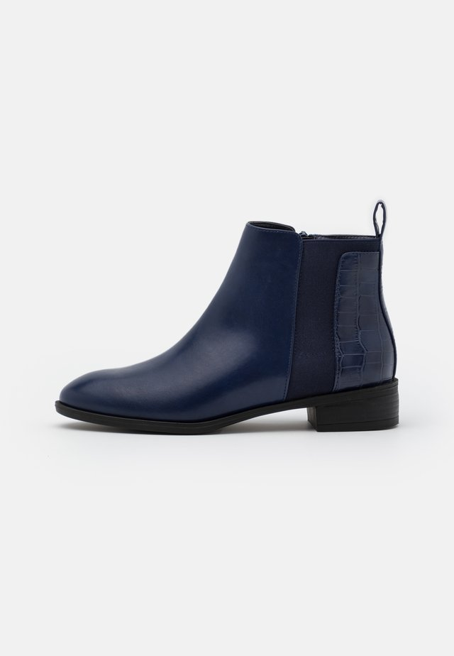 WIDE FIT IMOGEN - Ankle boots - navy