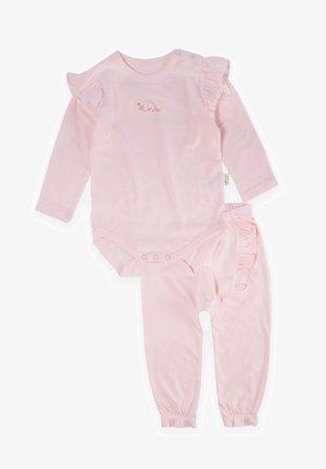 SET - Body - pink