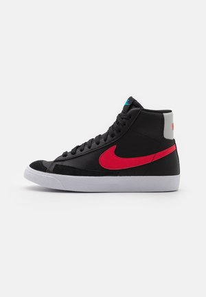 BLAZER MID - Sneakersy wysokie - black/fusion red/light blue fury/grey fog