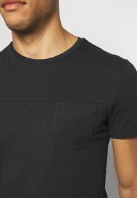 Pier One - T-shirts basic - black - 5