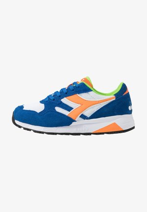N902 - Trainers - star sapphire/bird of paradise