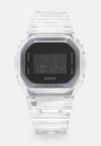 G-SHOCK - DW-5600SKE  - Digitální hodinky - transparent white - 0