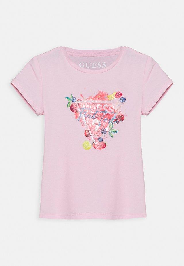 T-shirt con stampa - alabaster pink