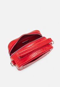 HVISK - BLAZE CROCO - Handbag - orange red - 2