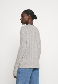 Tommy Hilfiger - CABLE - Jumper - light grey heather - 2