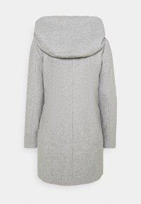 Vero Moda - VMDAFNEDORA - Zimní kabát - light grey melange - 7