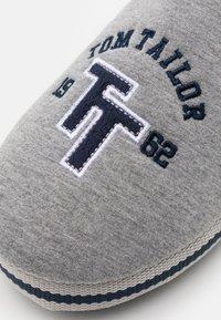 TOM TAILOR - Tohvelit - grey - 5