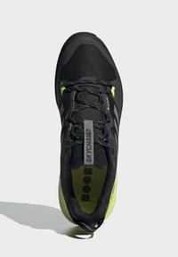 adidas Performance - TERREX SKYCHASER GORE-TEX 2.0 WANDERSCHUH - Hiking shoes - black - 3