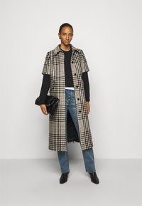 MM6 Maison Margiela - Classic coat - black - 1