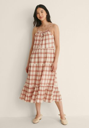 Day dress - red check