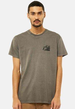 SHORT SLEEVE - Print T-shirt - pavement