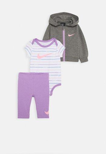 STRIPE BODYSUIT SET - T-shirt print - violet star