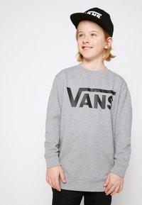Vans - Sweater - concrete heather/black - 0