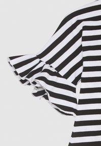 Marimekko - LAAJA TASARAITA - Jersey dress - black/white - 2