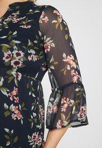 Vero Moda Curve - VMKAY DRESS - Sukienka letnia - navy blazer - 4